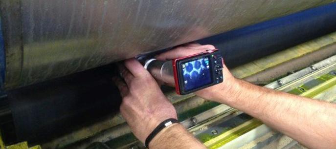 Alrm, entreprise de nettoyage laser effectue un contrôle optique de l'anilox